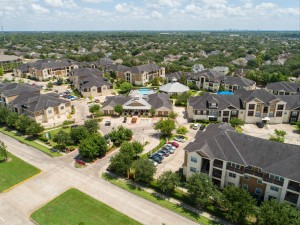 Apartments in Katy, TX - Aerial View of Community, Entrance and Surrounding Areas